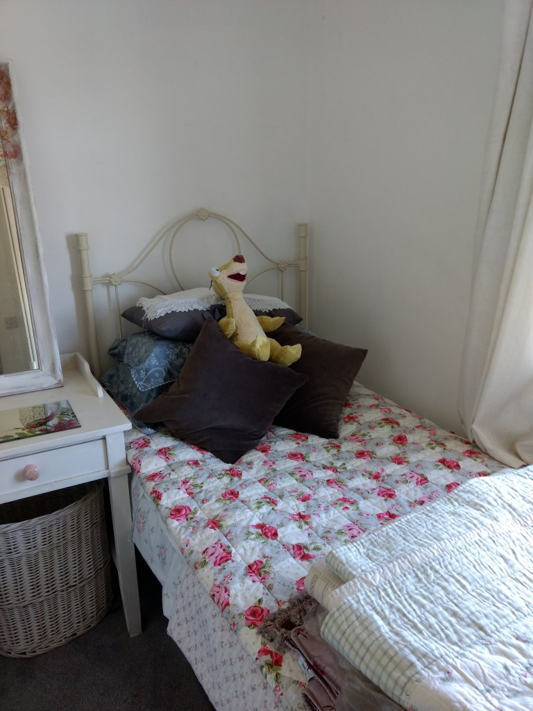 Furnished room in a 4-bedroom house in Knocklyon, Dublin