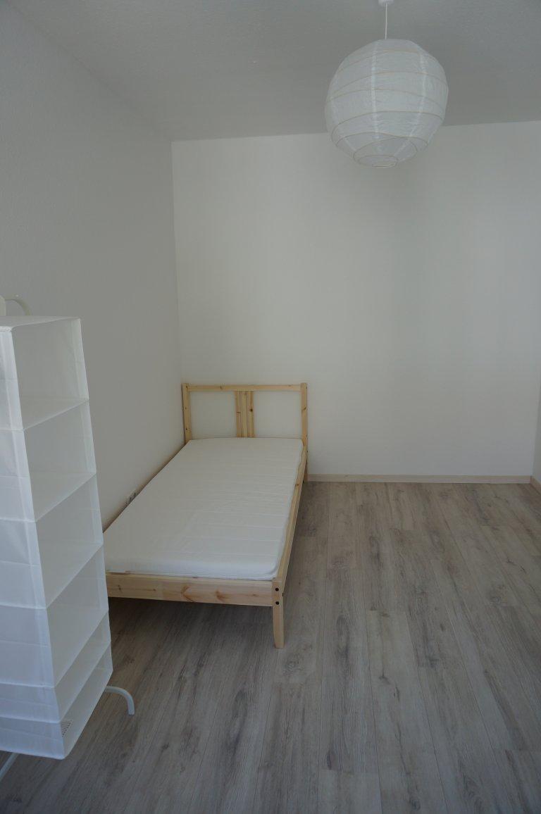 Quartos para alugar em apartamento de 3 quartos em Mitte, Berlim