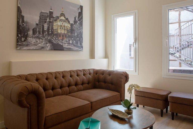Przytulny apartament z 3 sypialniami do wynajęcia w La Latina w Madrycie
