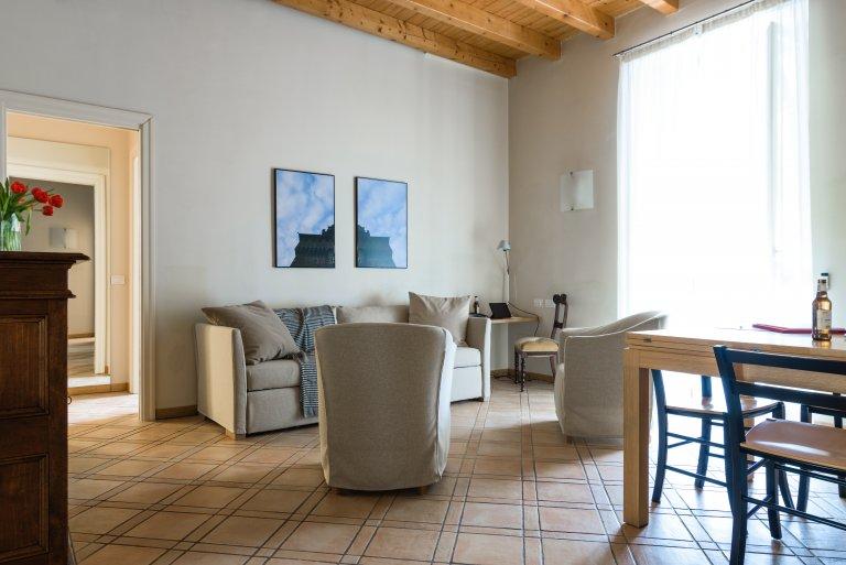 Luminoso appartamento con 2 camere da letto in affitto a Navigli, Milano