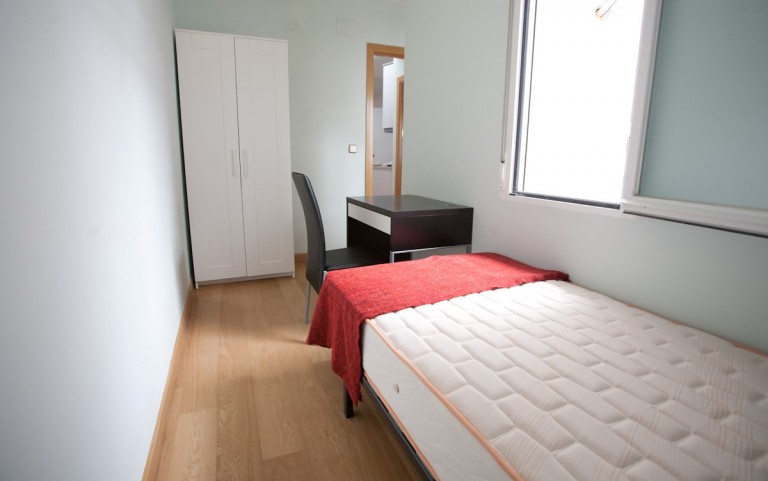 Bedroom 10 with single bed, interior