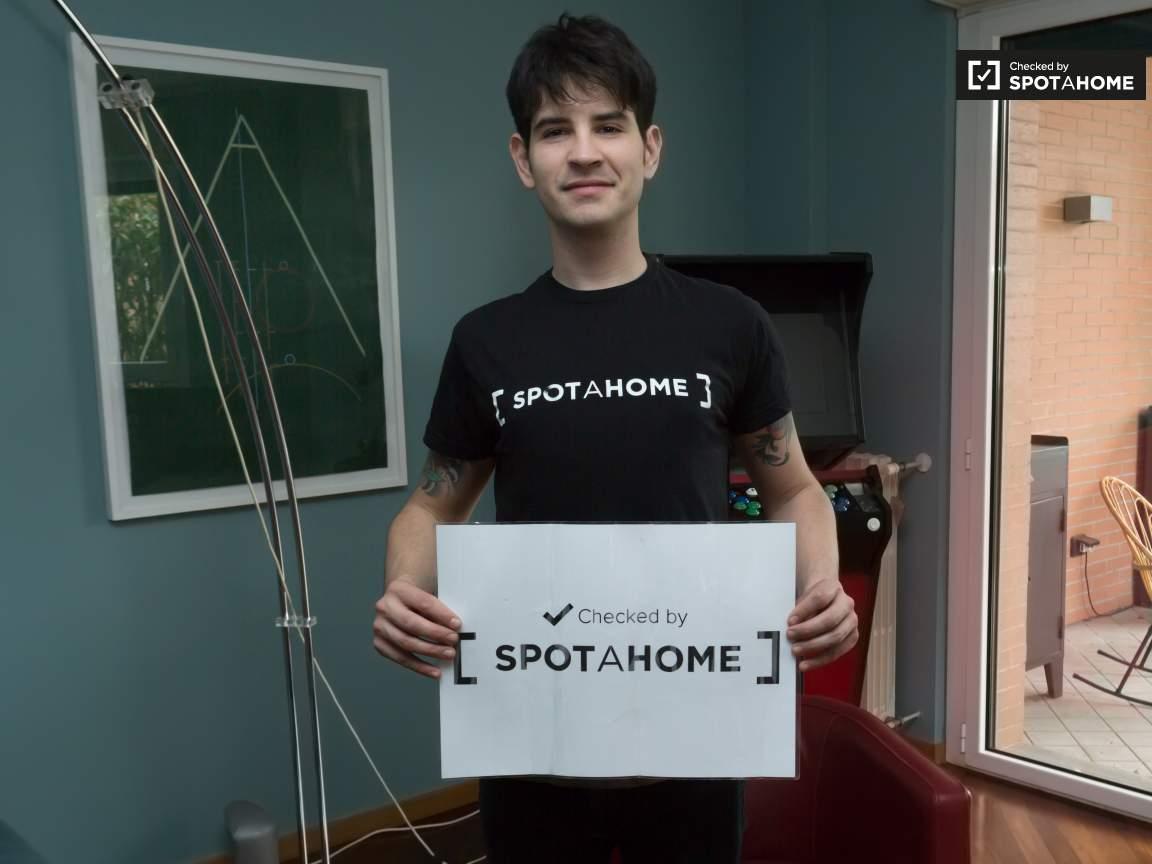 Checked by Nicolas from Spotahome