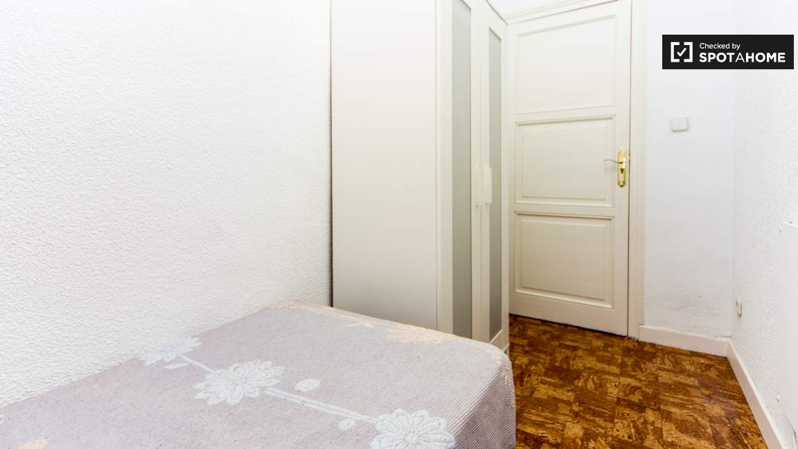 Single Bedroom - reference 3