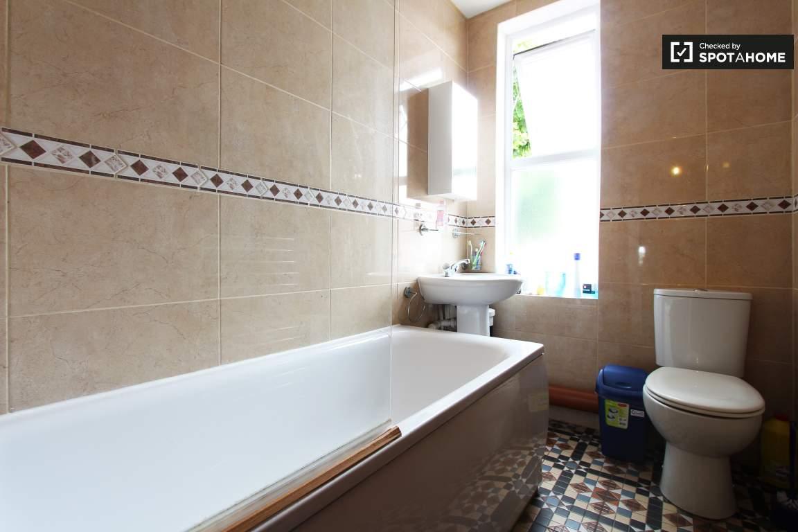 Bathroom lower floor