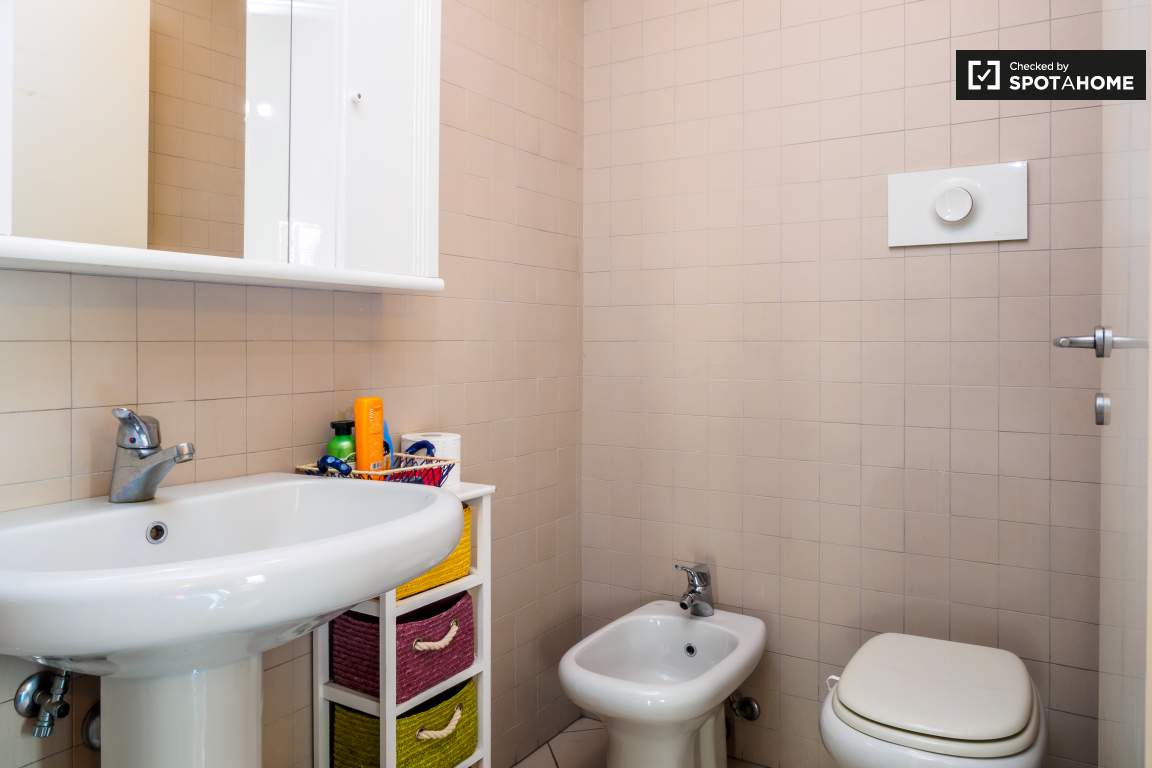 Bedroom 3 Toilet