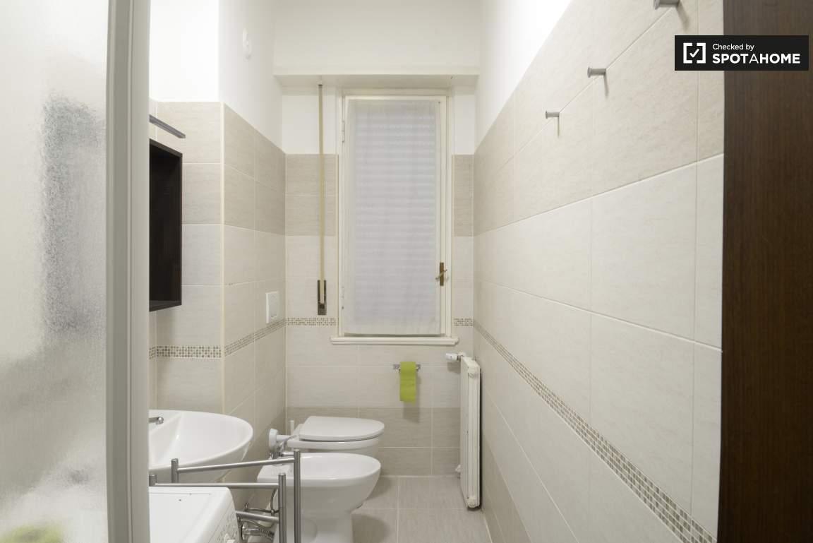 Bathroom #1 02