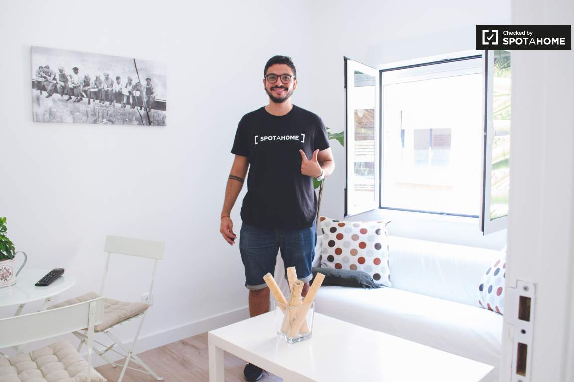 Checked by Miguel from SpotaHome