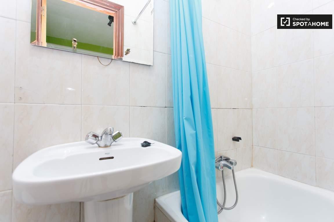 Bedroom 6 Bathroom