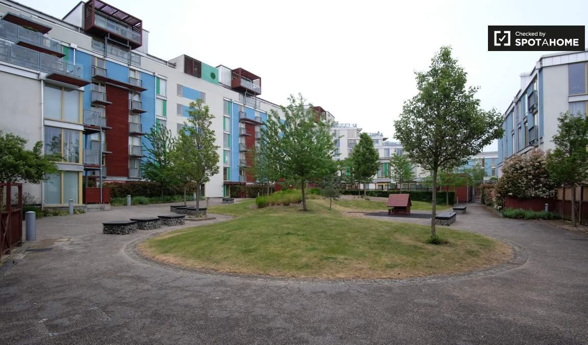 Courtyard behind garden