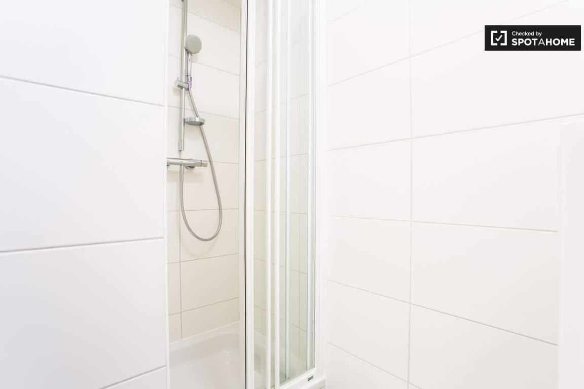 Ensuite Shower Room (Bedroom 2)