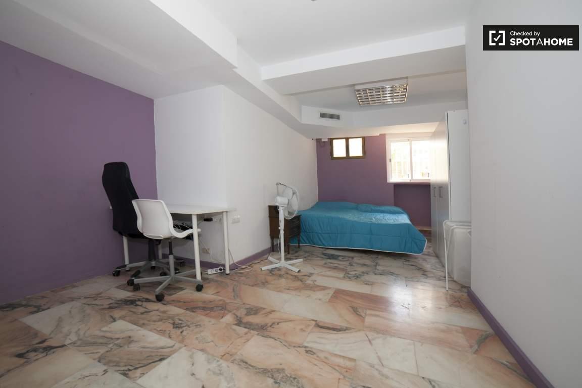 Bedroom 295