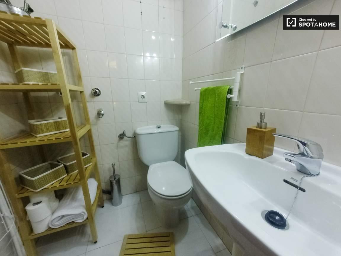 Bathroom next to Bedroom 6