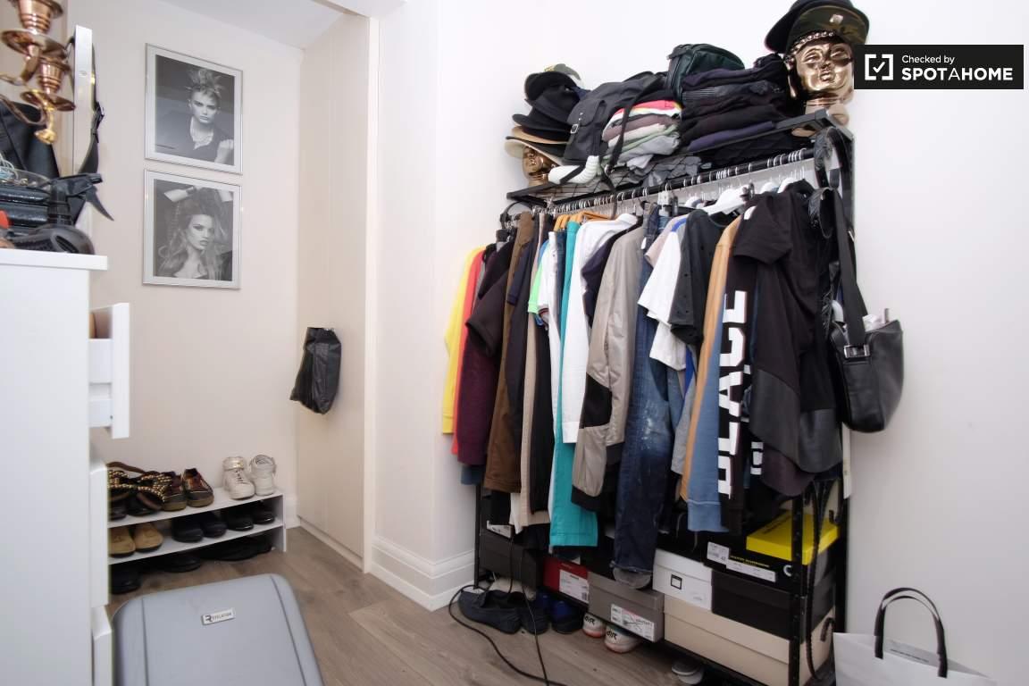 Bedroom 2 (B)
