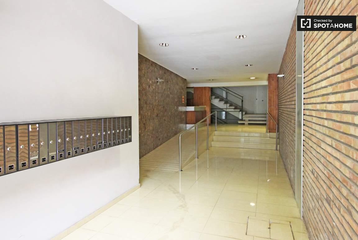 Building hall