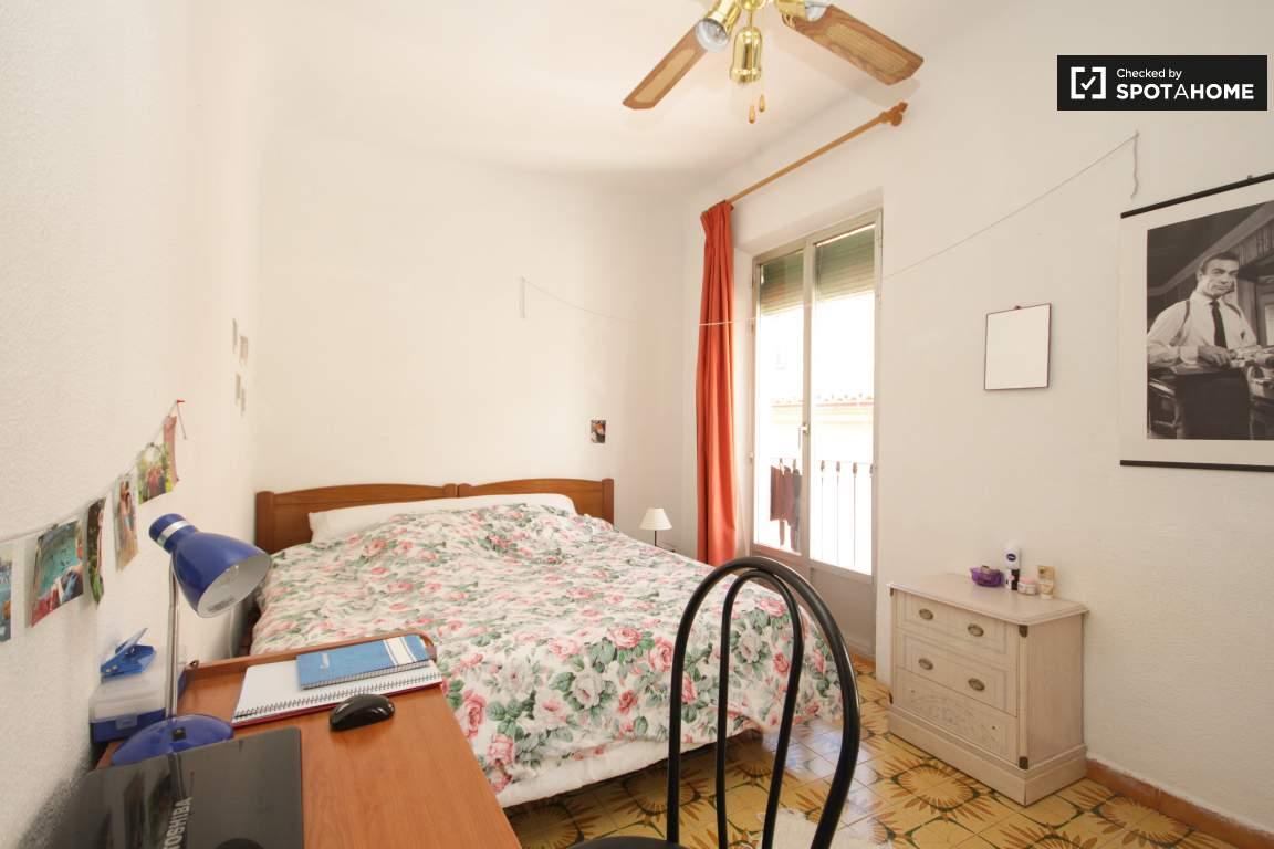 Bedroom 2 (3rd floor)