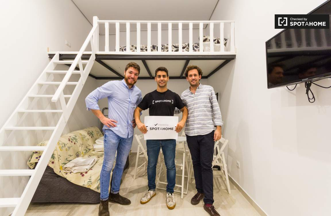 Checked by Alejandro, Sergio and Gonzalo from Spotahome