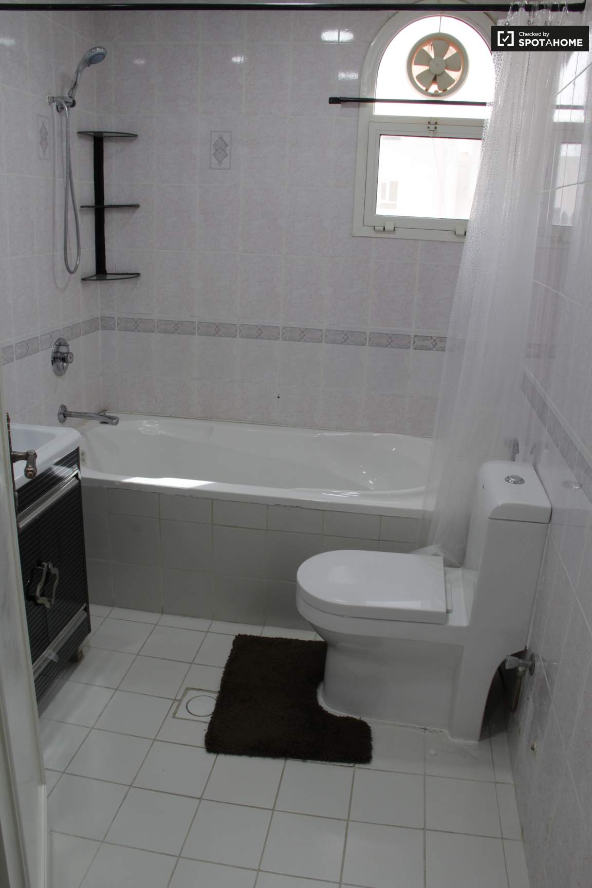 Bedroom 1 - Ensuite Bathroom