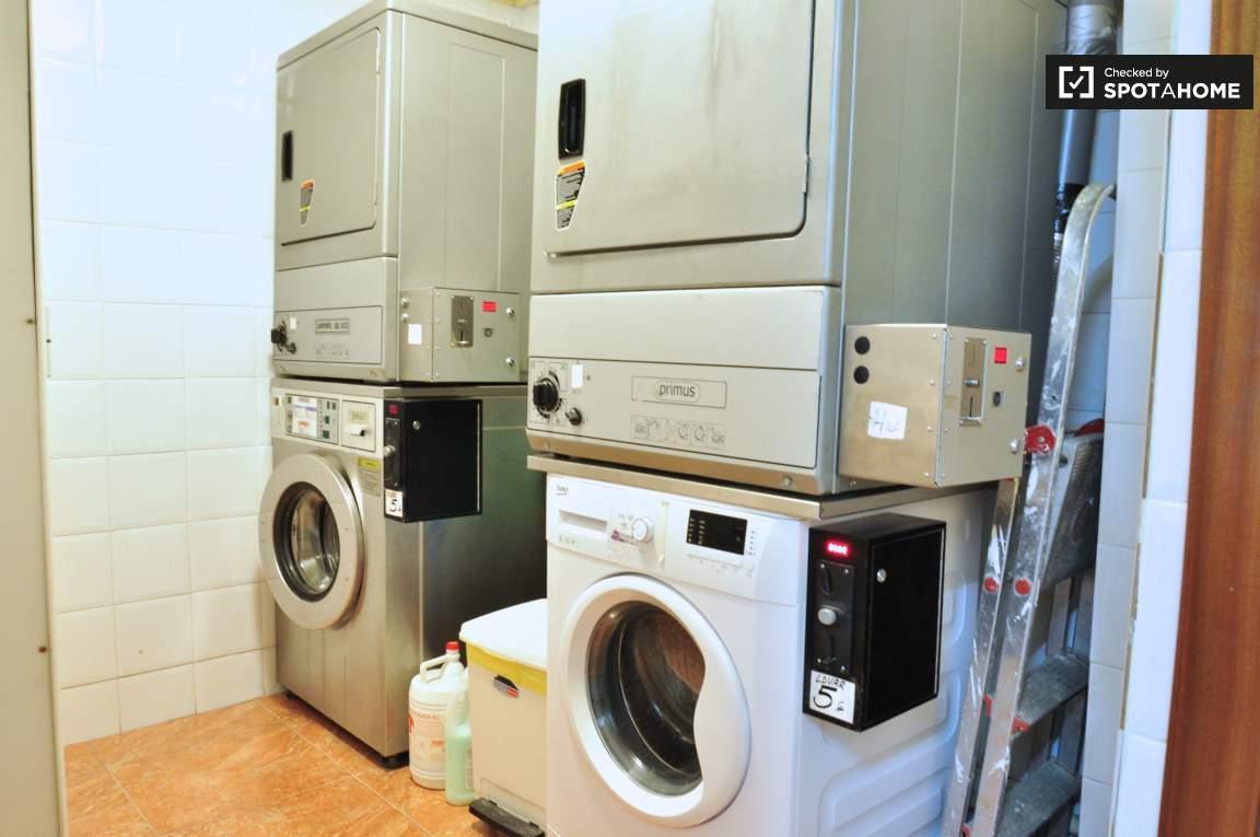Common laundry room