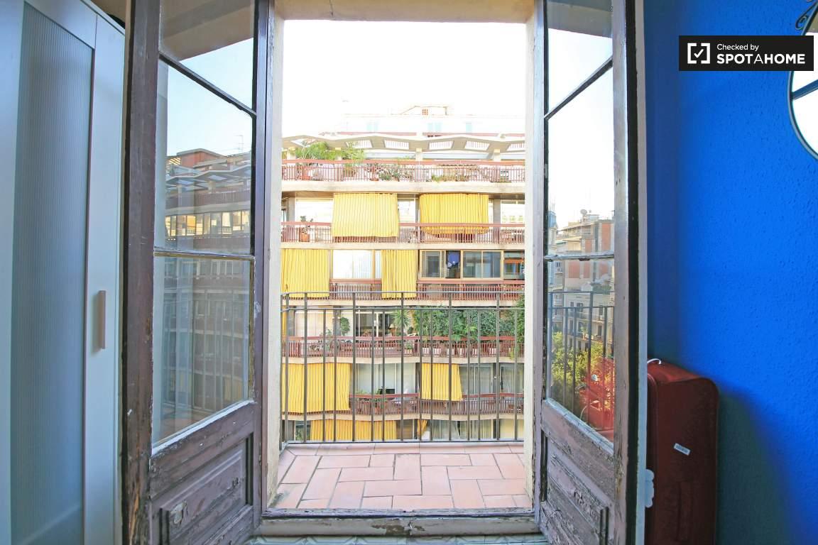 Balcony (Bedroom 4)