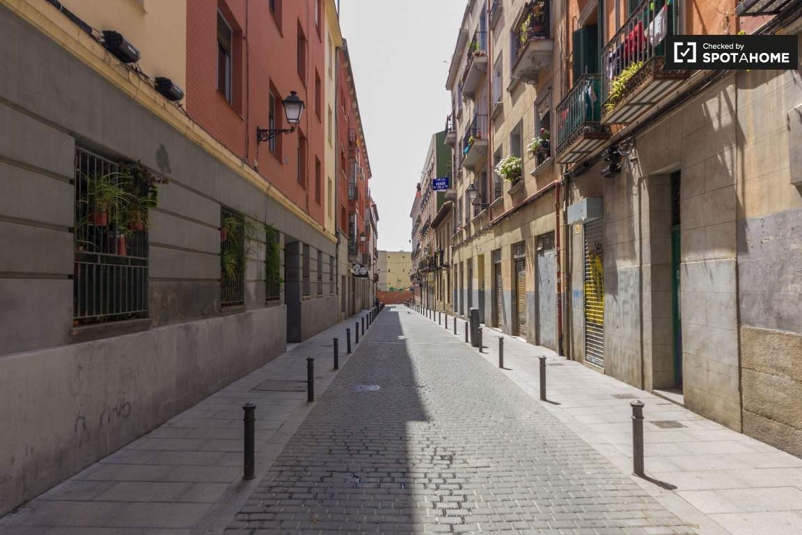 Calle Abades