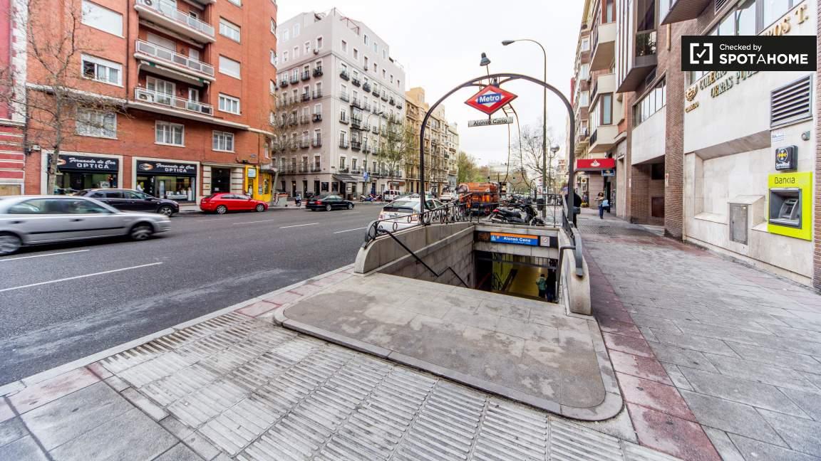 Nearby Ruben Dario metro stop