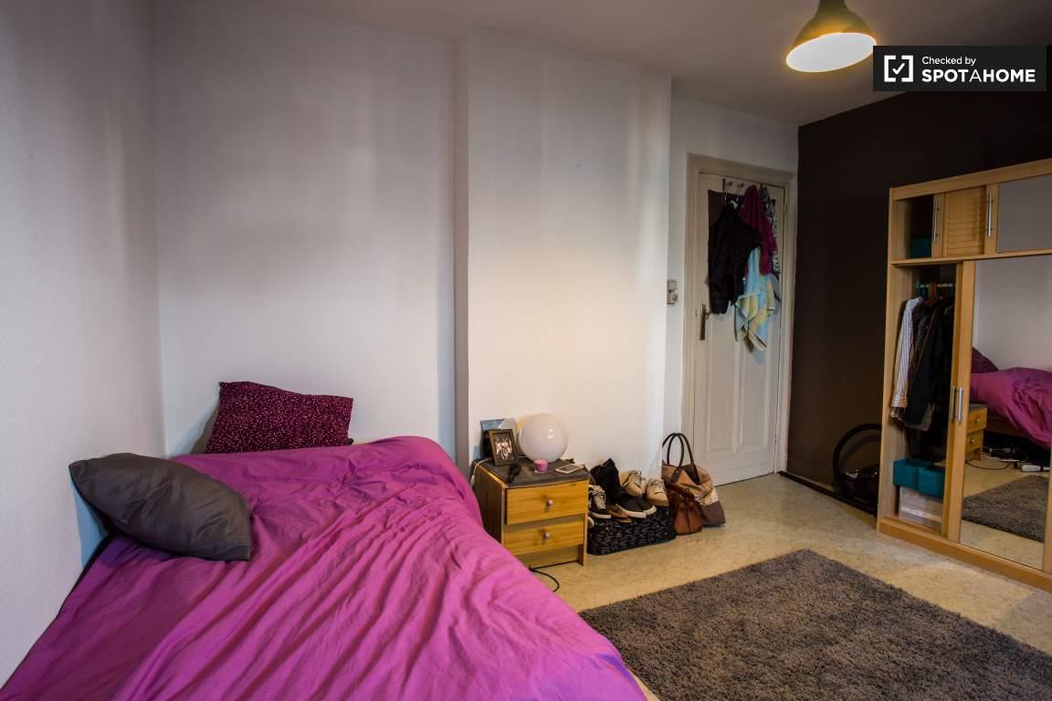 Bedroom 5 (upper floor)
