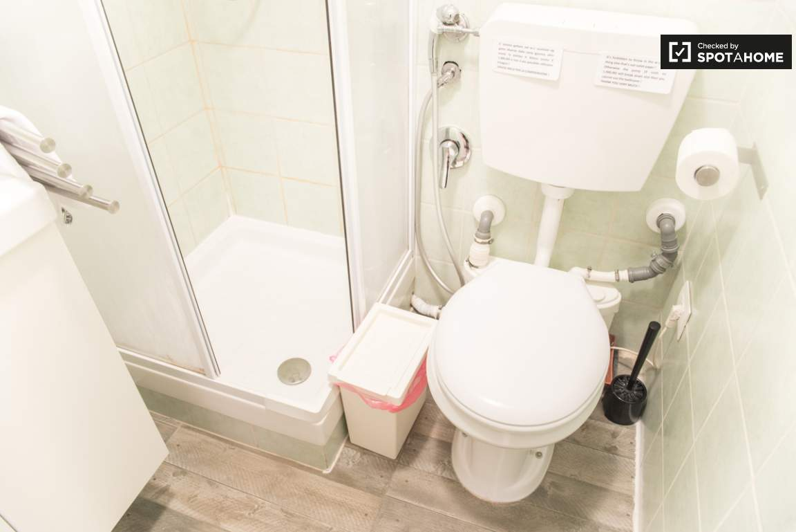 Bathroom of bedroom 2