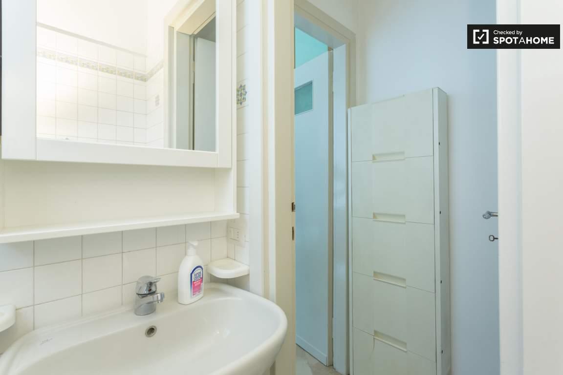 Bedroom 1 -Ensuite bathroom