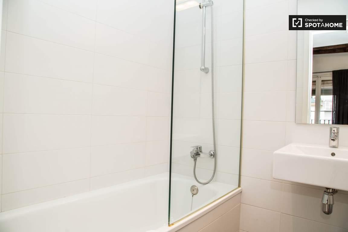 BATHROOM BEDROOM 1 A