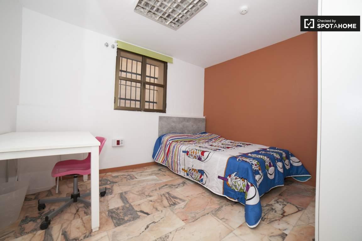 Bedroom 288