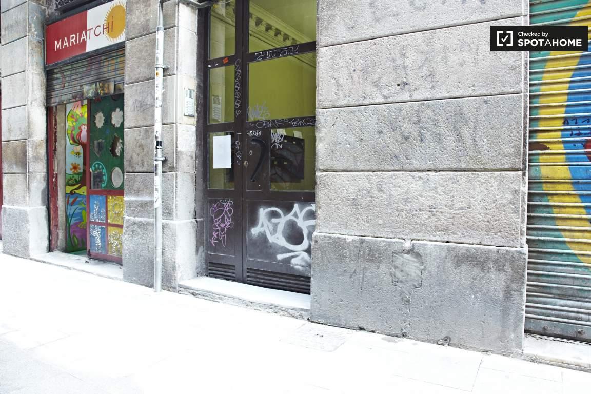 Building's entrance