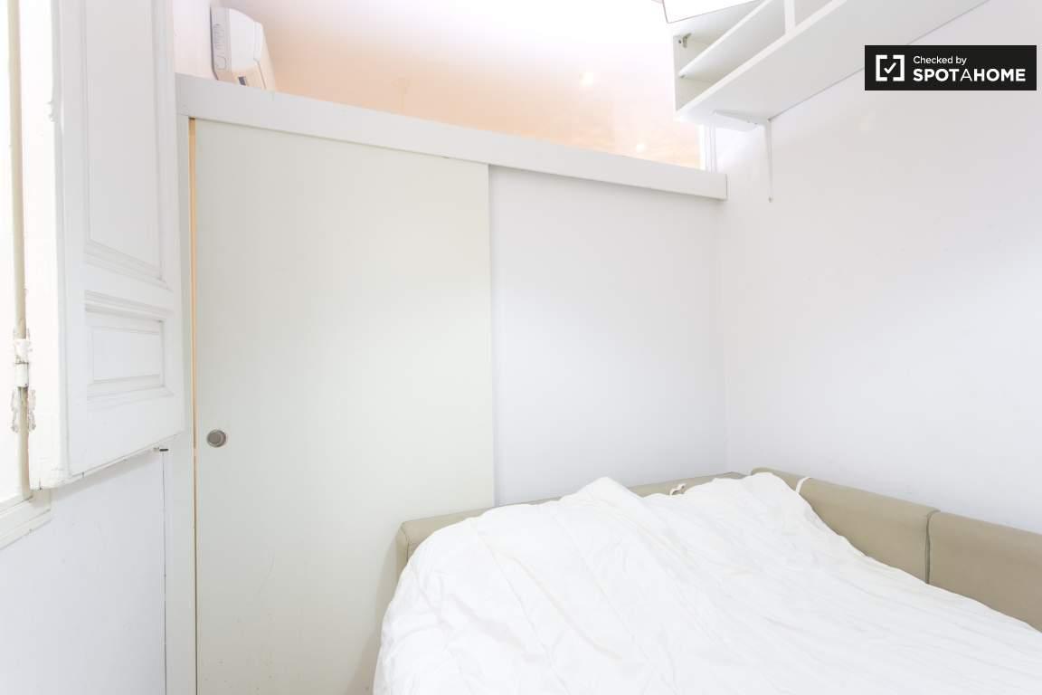 bedroom 2 view of door