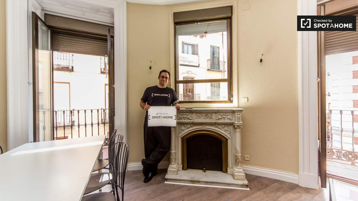 This home was checked by Bruno of the Spotahome team!