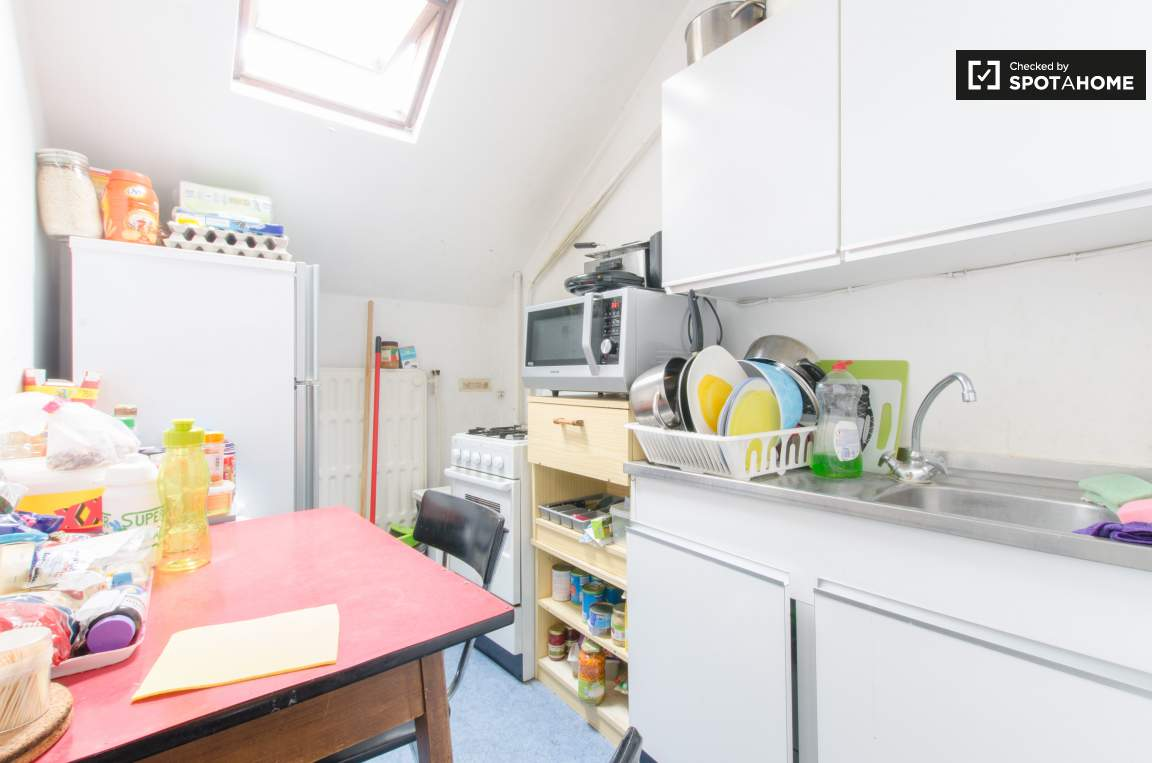 Kitchen bedroom 1