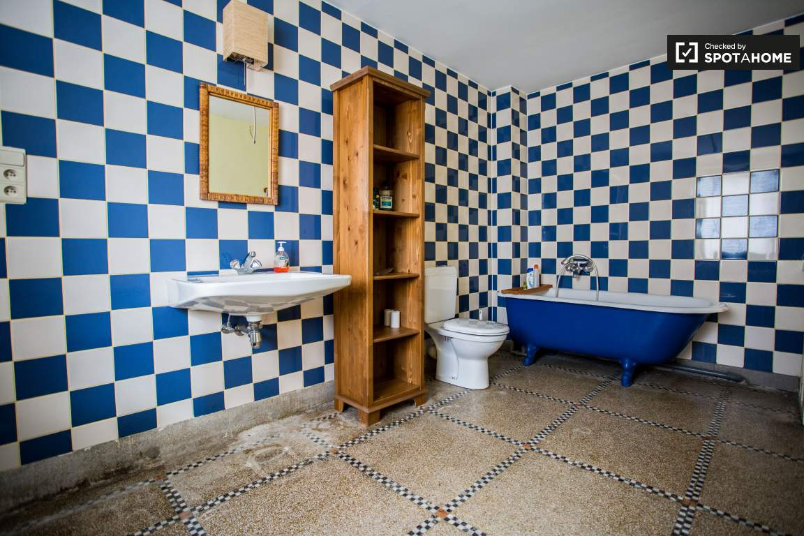 Ensuite bathroom of Bedroom 2