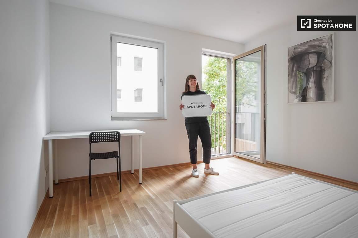 Komfortables Zimmer in 3-Zimmer-Wohnung in Köpenick, Berlin (ref ...