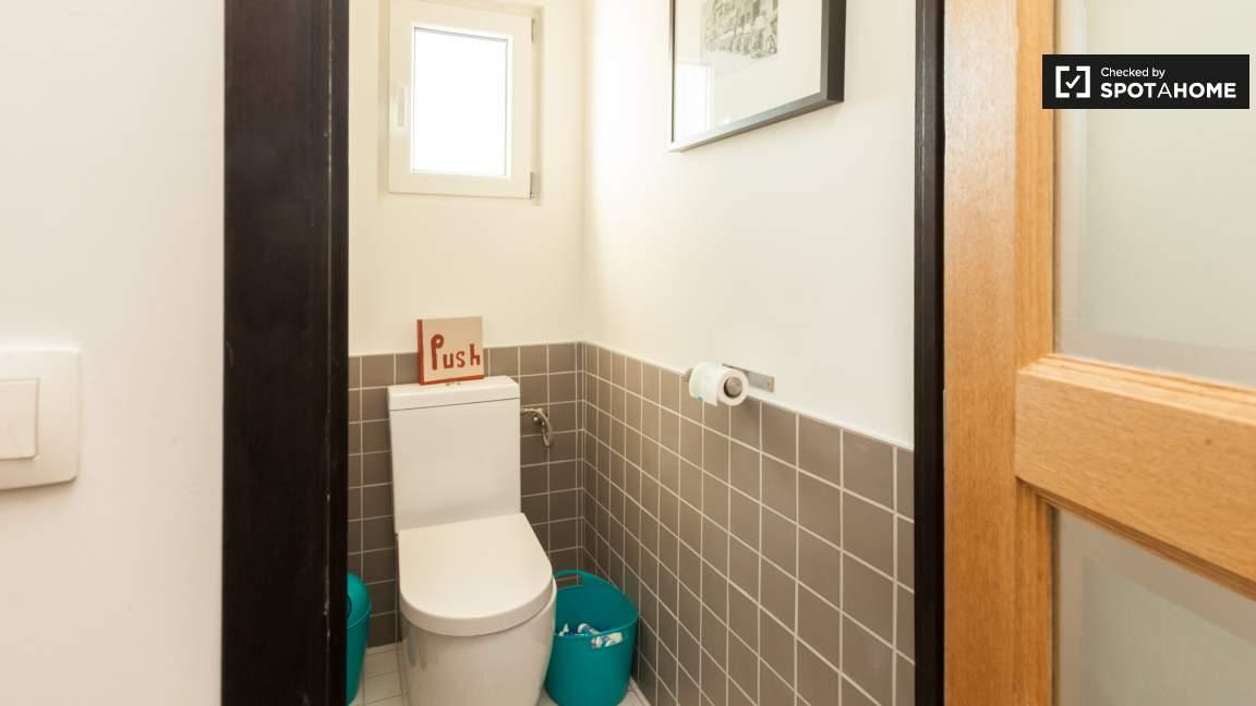 Toilet Bedroom 3