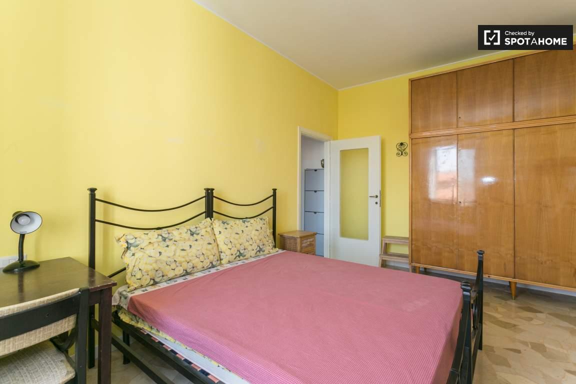 Bedroom 1 (tenant's bedroom)