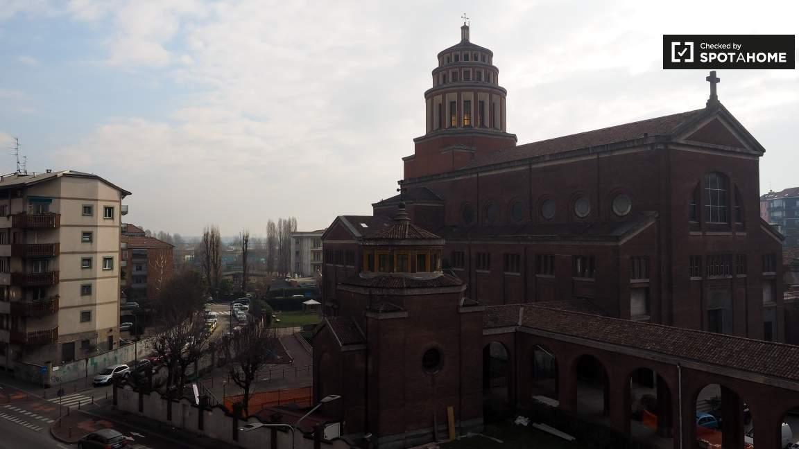 Balcony (exterior)