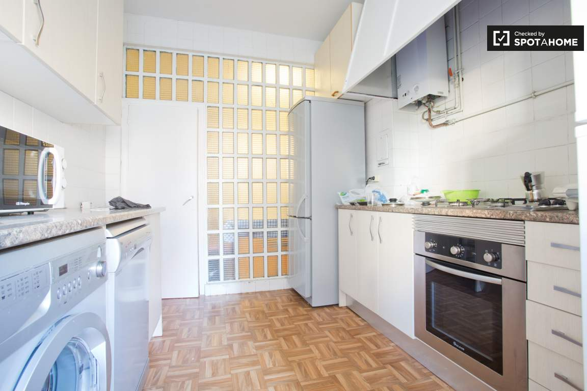 kitchen door to hall view