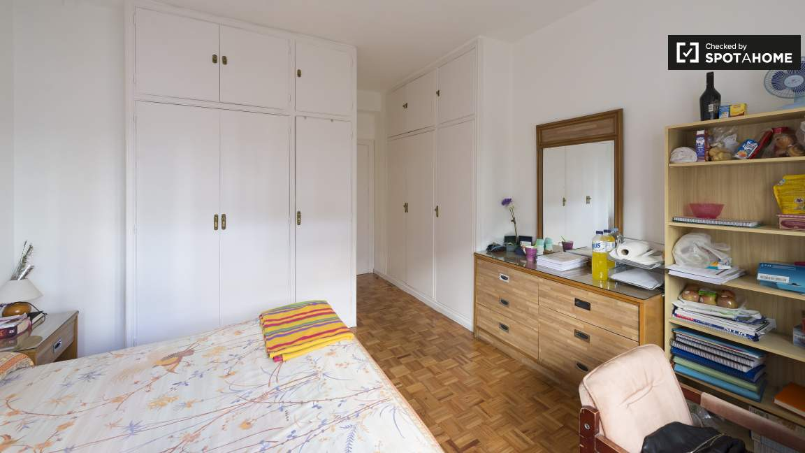 Bedroom with en-suite bathroom