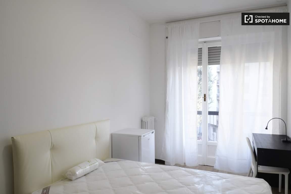 Bedroom #4 01