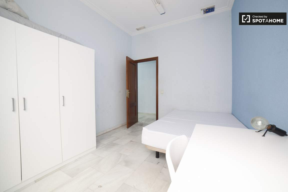 Bedroom 3 (373)