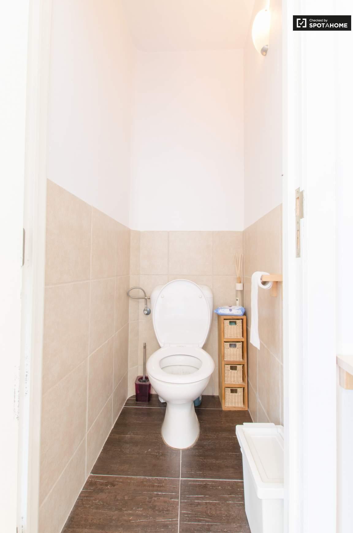 Toilet bedroom 2