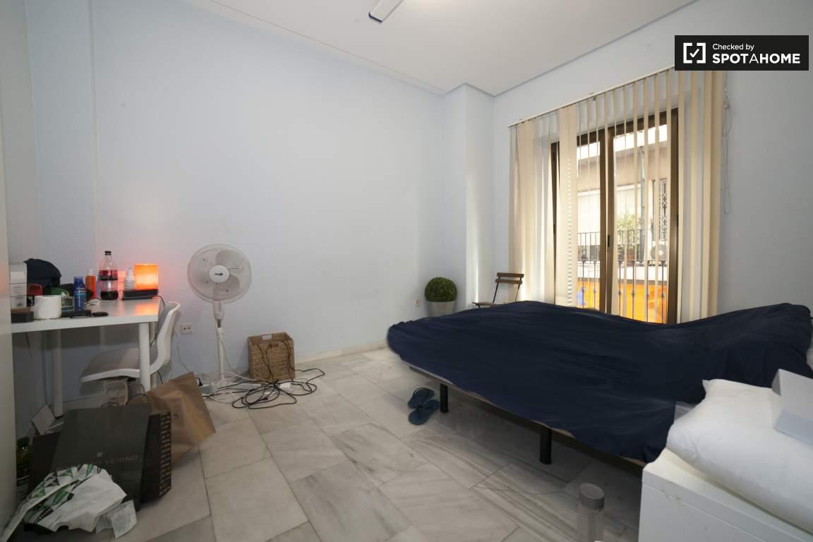 Bedroom 2 (372)