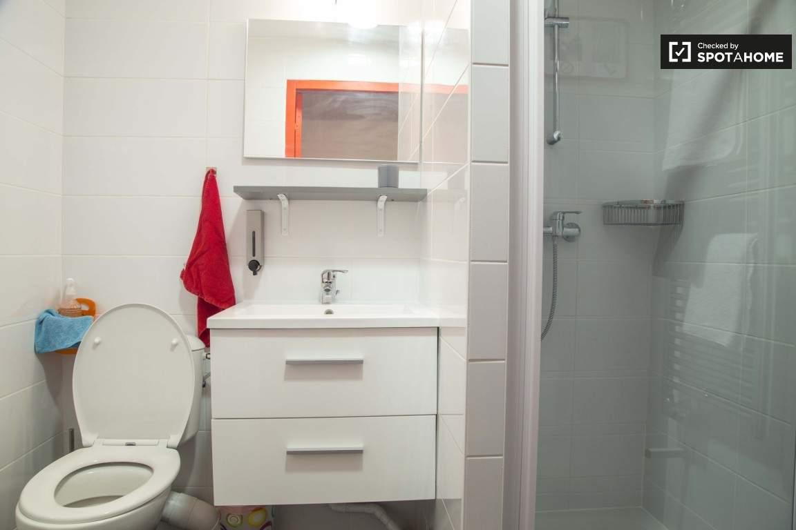 Bathroom (Monplaisir)
