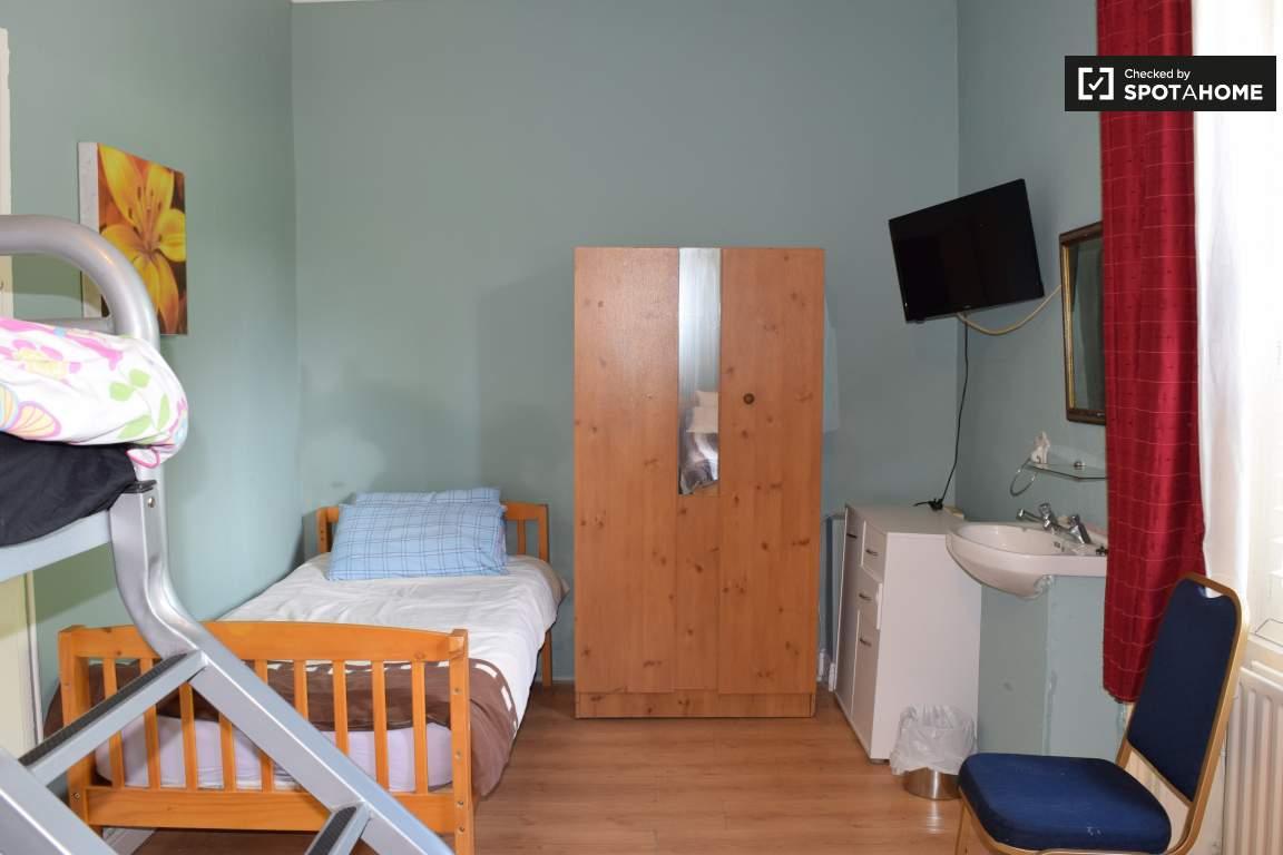 Bedroom 18