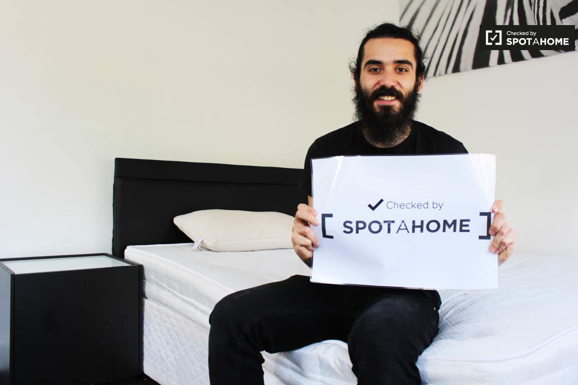 Checked by MARCOS from Spotahome!