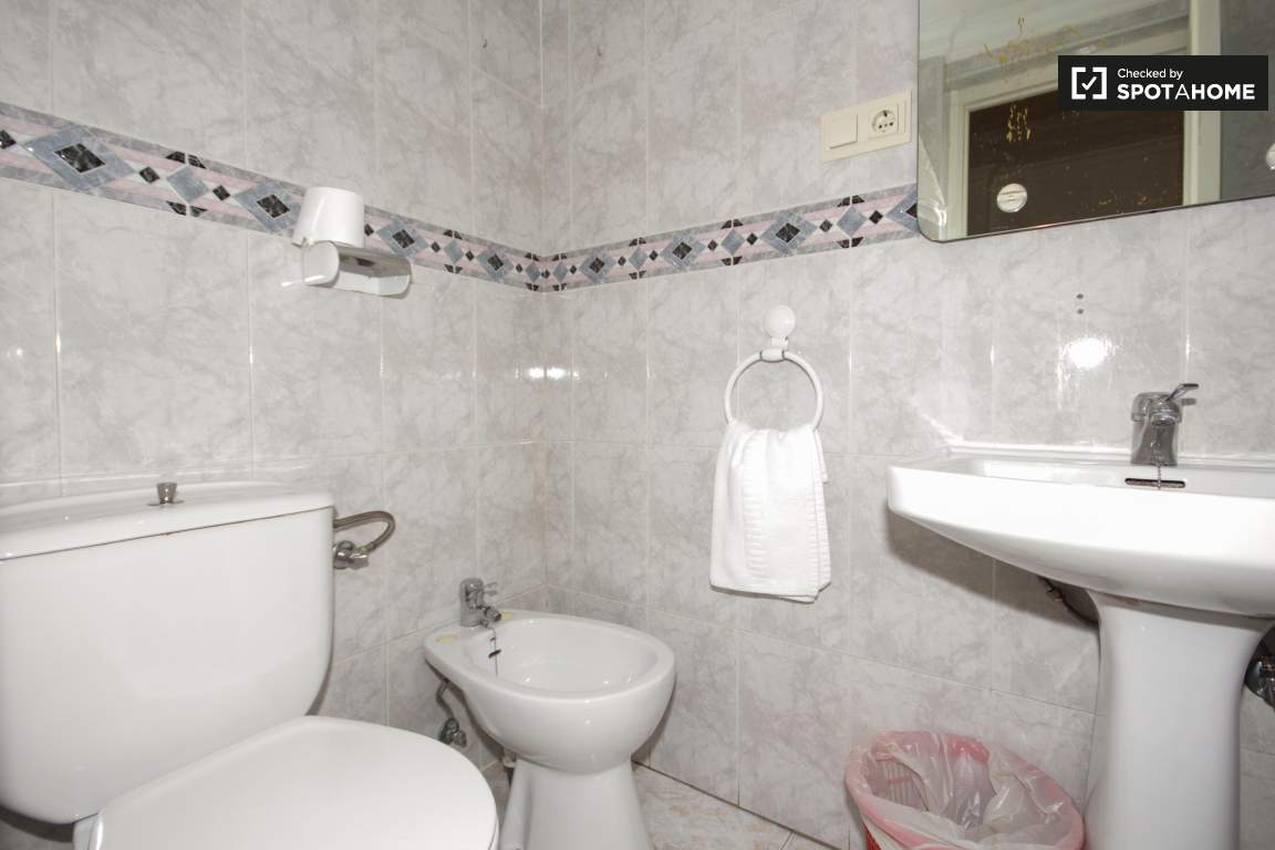 Bathroom for Room 3