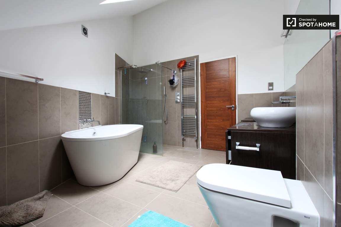 Bathroom 3rd floor